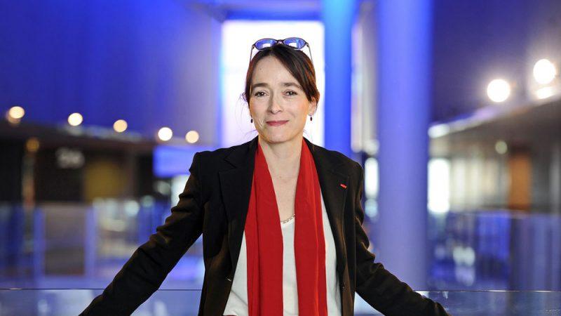 La présidente de France Télévisions souhaite voir la future chaîne d'information publique sur la TNT gratuite