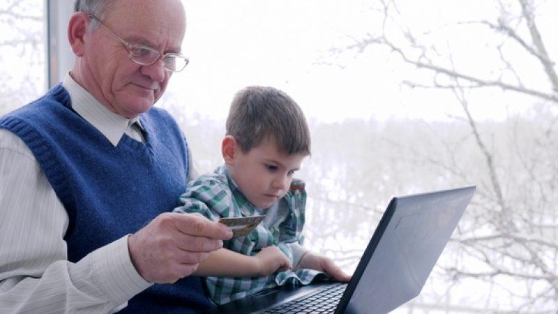 Reportage : l'illectronisme, quand les oubliés de l'internet ont besoin d'aide