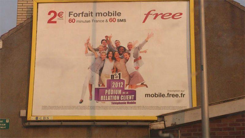 Free Mobile lance une nouvelle campagne d'affichage mettant en avant son titre de N°1 de la relation client
