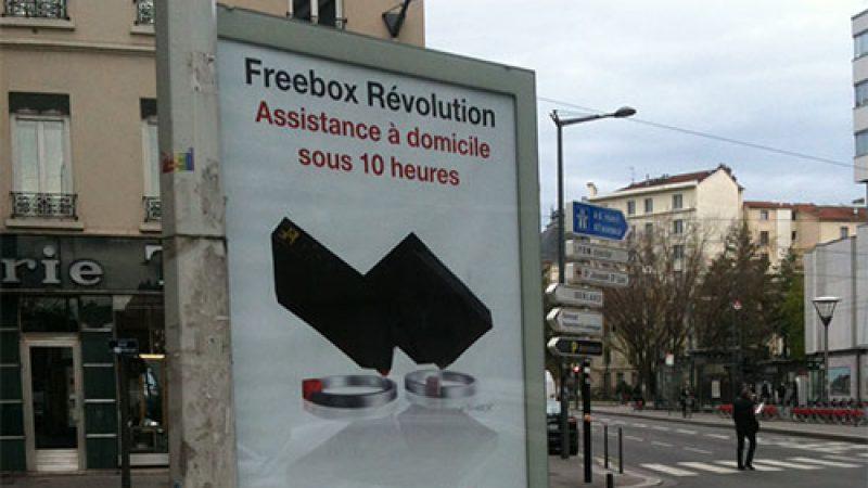 Free lance une nouvelle campagne d'affichage pour la Freebox Révolution