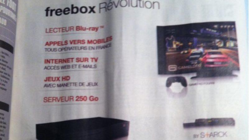 Free lance les premières publicités de la Freebox Révolution dans la presse.