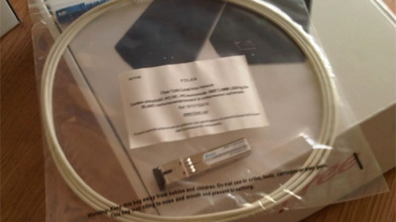 Les premières photos de la Freebox Révolution Optique et réception de la manette