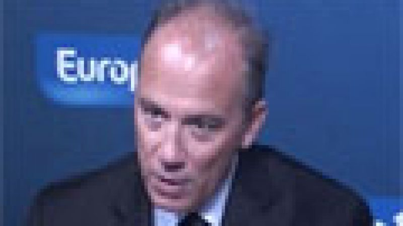 Orange perd encore des clients en faveur de Free, « mais dans des proportions quatre fois moindres qu'il y a un an » selon S. Richard