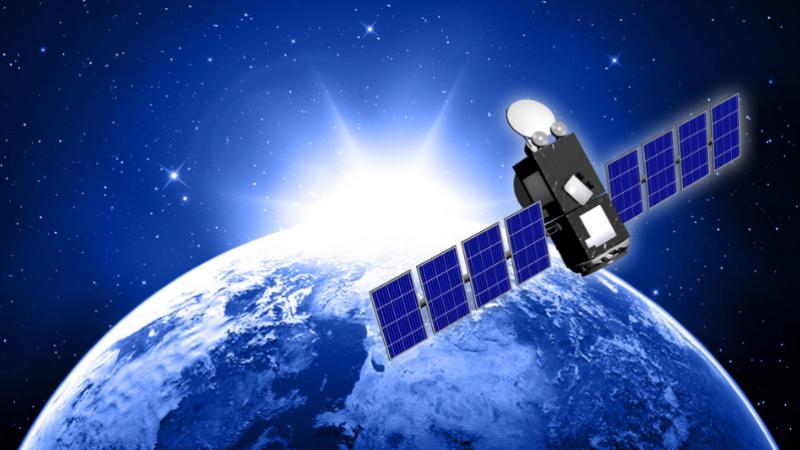 Altice-SFR prépare une offre de télévision par satellite