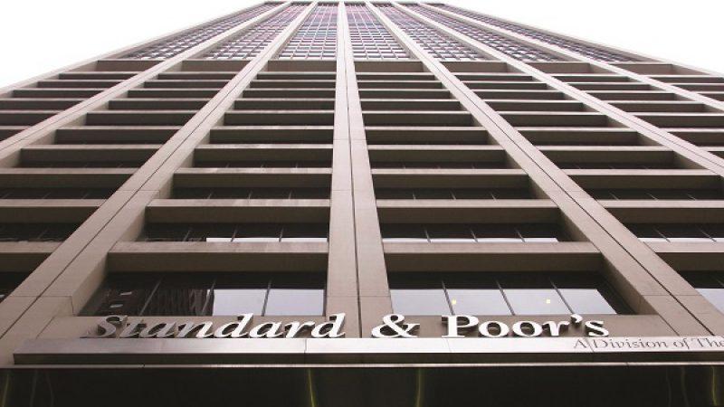 L'agence Standard & Poors remonte la perspective d'Orange et pense que, grâce à Free, un passage à trois opérateurs n'aura pas de conséquences sur les prix
