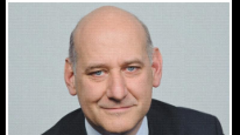Le PDG de SFR « en veut surtout à l'Etat d'avoir fait entrer » Free Mobile