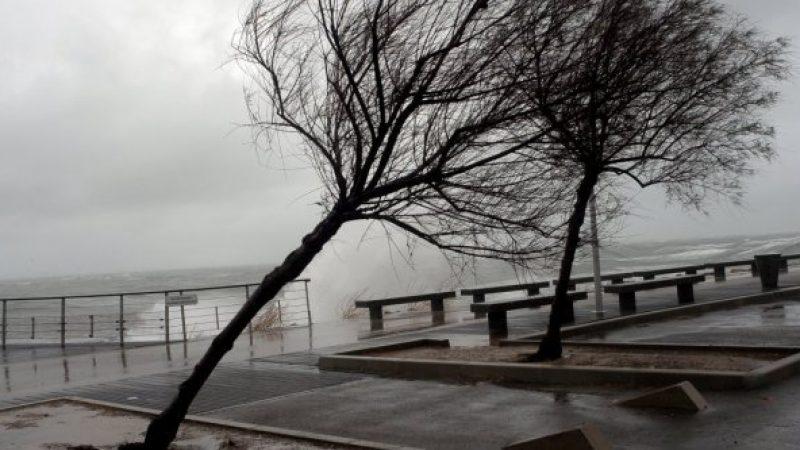 Nouveau bilan pour la tempête Zeus qui a traversé la France et a entraîné la coupure d'Internet pour de nombreux abonnés
