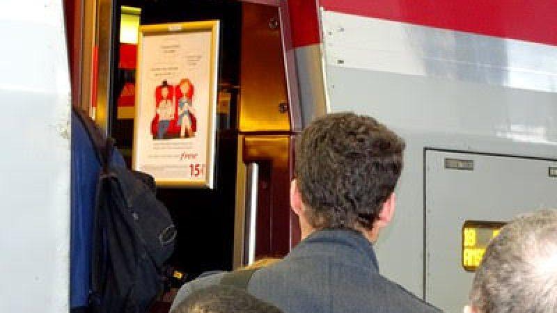Free Mobile lance une campagne de pub dans le Thalys : «Pourquoi t'éteins ton mobile ?»