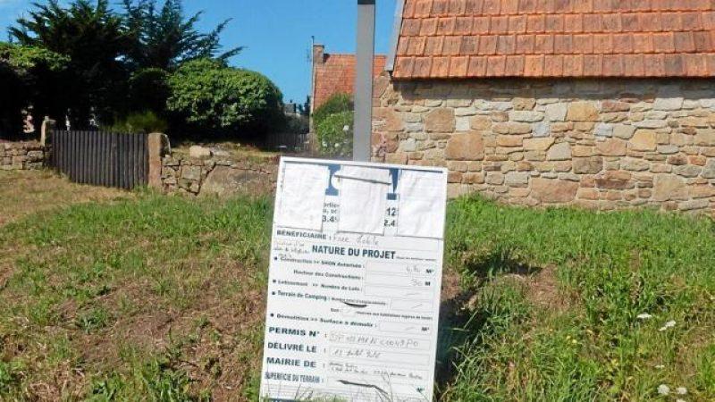 Une pétition contre l'implantation d'un pylône Free dans une commune de Bretagne
