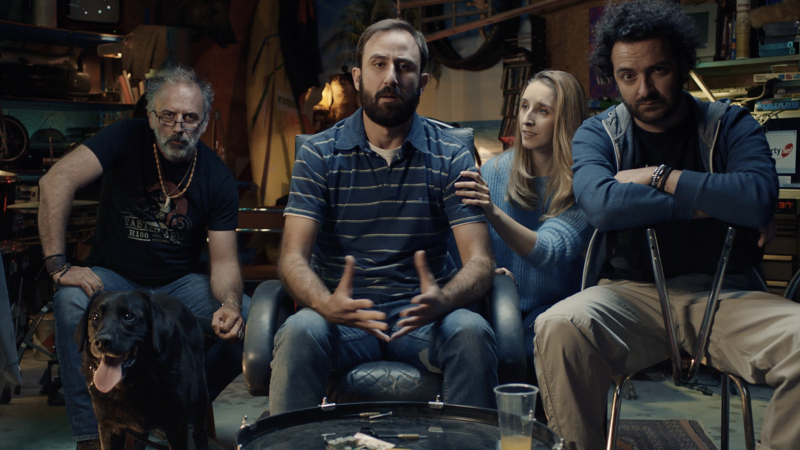 """Free lance deux nouveaux spots TV  décalés en mode """"nostalgeek"""" pour promouvoir sa fibre"""