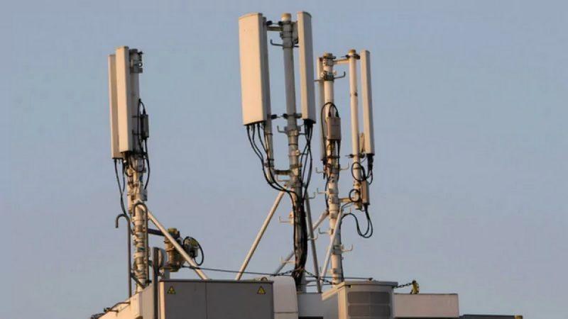 Free Mobile : les habitants d'un quartier font désinstaller une antenne-relais
