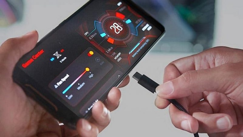 ROG Phone 2 : Asus donne une date pour son prochain smartphone orienté gamer