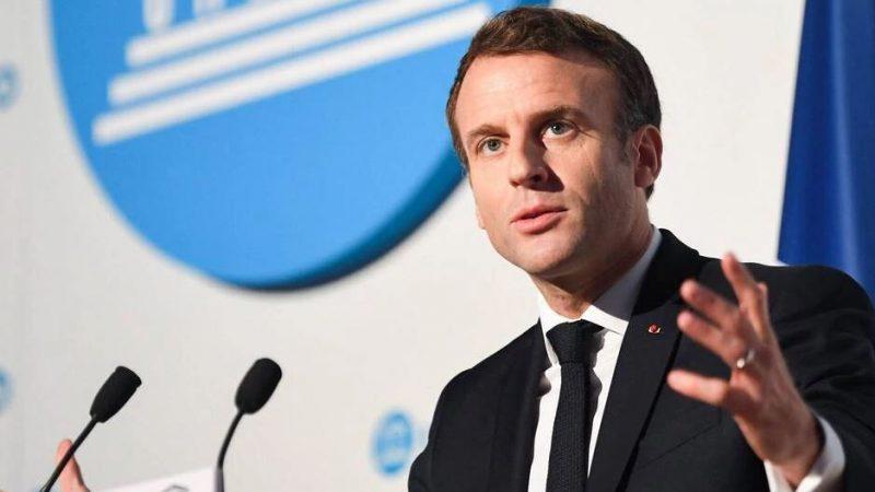 Pour limiter l'exposition des enfants à la pornographie, Emmanuel Macron veut la mise en place d'un contrôle parental par défaut