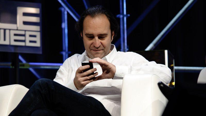 """Clin d'oeil : """"Xavier Niel répond à 1000 mails par jour"""""""