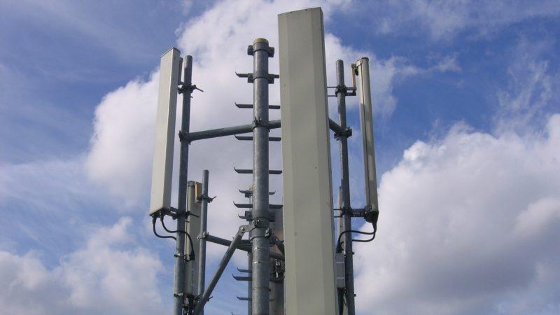 Le signal de l'antenne 4G d'un opérateur perturbé par un écran