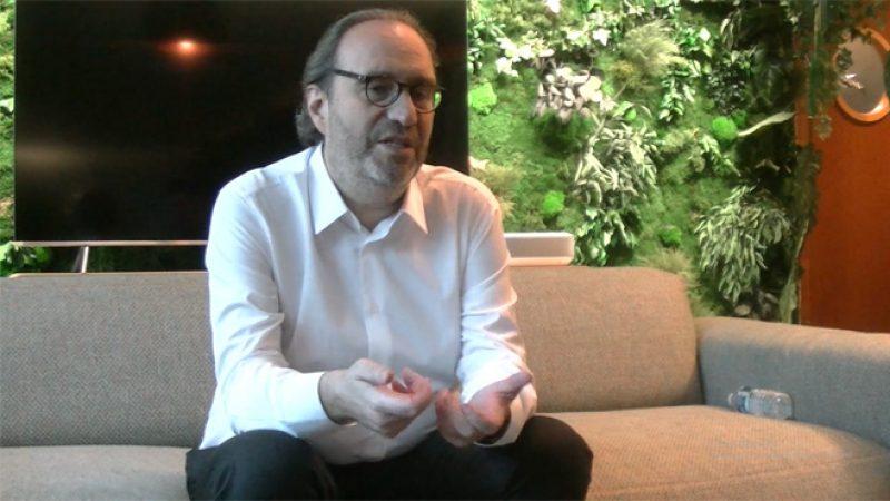 """Interview Univers Freebox : Xavier Niel songe déjà à développer """"une génération différente de Freebox"""""""