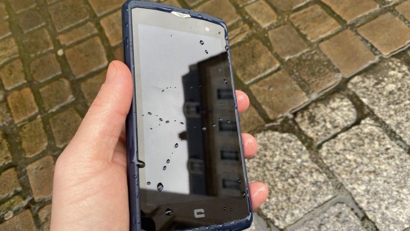 Crosscall Core-X3 : voici le test du smartphone robuste disponible chez Free Mobile, chutes et plongeons compris