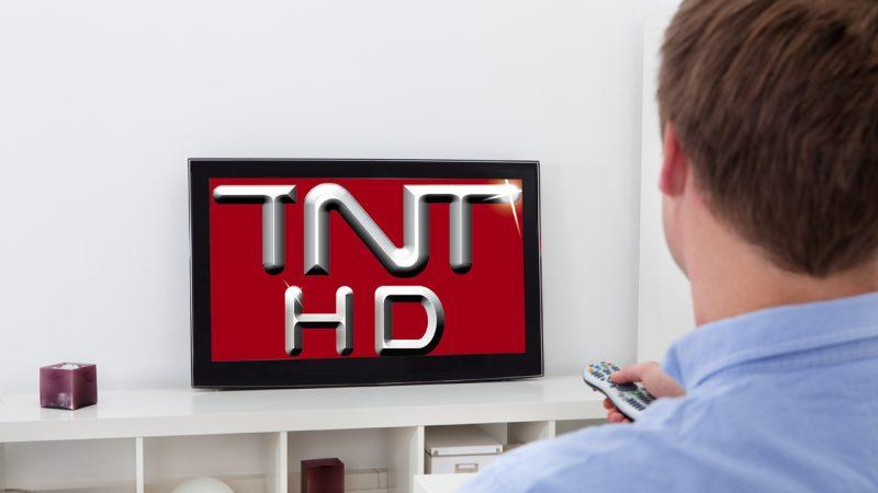 """Les chaînes de télévision jugent """"exorbitants"""" les coûts de diffusion de la TNT proposés par TDF"""