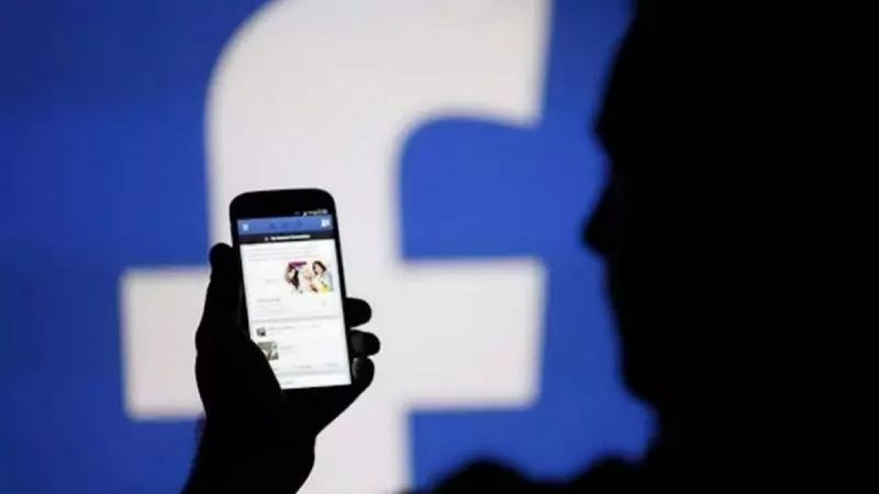 En période de confinement de la population, Facebook se retrouve face au même paradoxe que Twitter