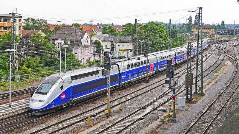 Connaître de manière plus précise la couverture mobile d'Orange, Free, Bouygues et SFR sur toutes les lignes TGV, c'est désormais possible