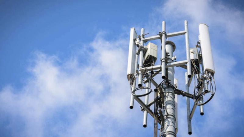 Des abonnés Free Mobile impactés par l'incendie d'une antenne-relais