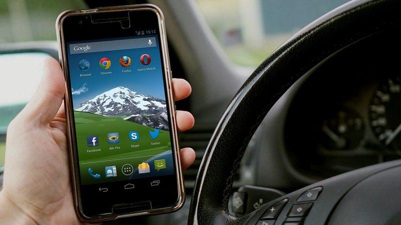 L'incompatibilité entre l'usage du mobile et la conduite expliquée