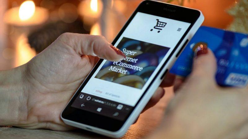 Achats en ligne : les bons réflexes à avoir rappelés par 60 millions de consommateurs