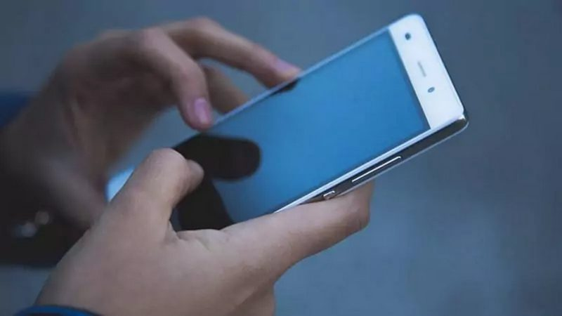 Interdire les forfaits mobiles à data illimitée en France, pas pertinent pour l'Arcep