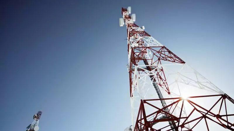 """Clin d'oeil : une antenne-relais """"clandestine"""" montée pour s'opposer aux réfractaires à la 4G"""