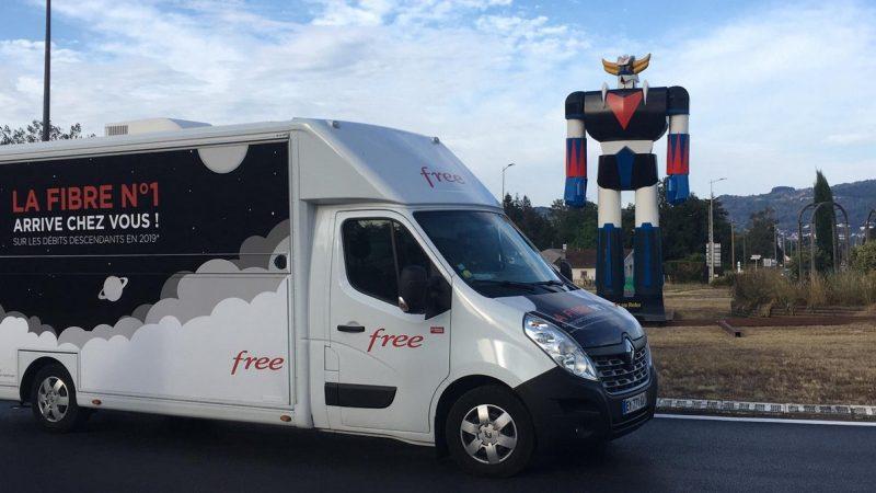"""Free donne le nouveau parcours de son """"camion fibre"""" avec lequel il présente ses offres FTTH"""