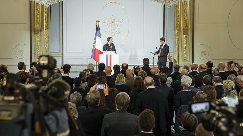 """5G  : Emmanuel Macron veut """"une vraie solution européenne sécurisée"""" mais assure ne pas exclure Huawei"""