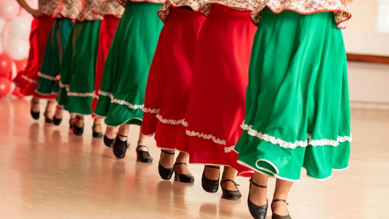Clin d'oeil : des PLAYers dansent la polka pour Iliad et Xavier Niel