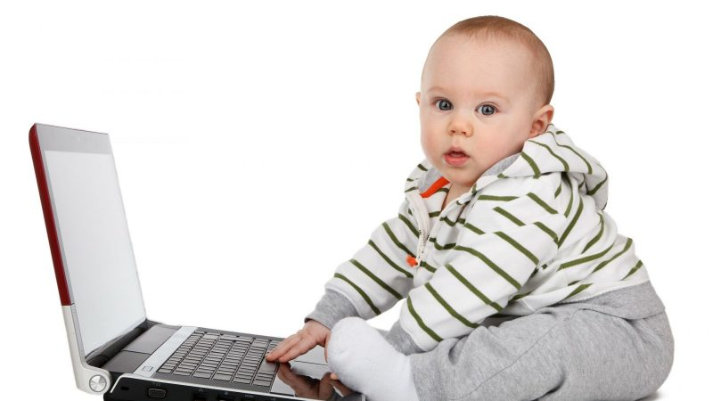 Clin d'oeil : un opérateur offre 18 ans d'accès à internet… à tous ceux dont le nouveau-né portera son nom