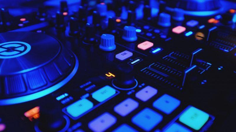 Freebox Pop et mini 4K : découvrez l'application Radio FG, temple de la musique électronique