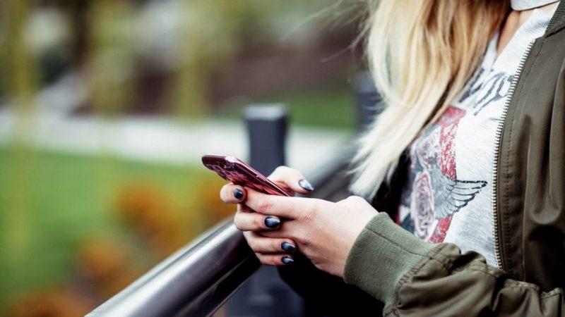 Google voudrait éviter certains accidents aux utilisateurs Android trop scotchés à leur écran