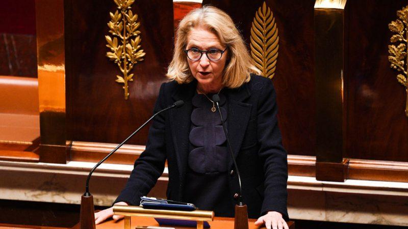 La candidate à la présidence de l'Arcep répond aux attaques de Xavier Niel