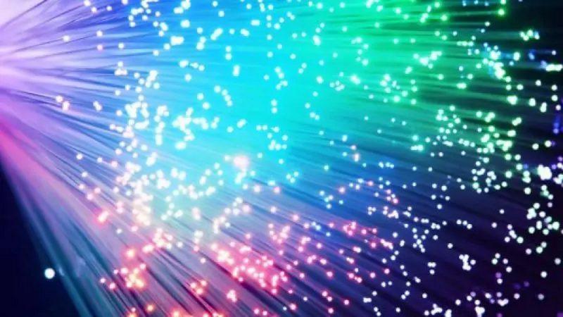 Fibre optique : redécouvrez les débuts de la fibre optique