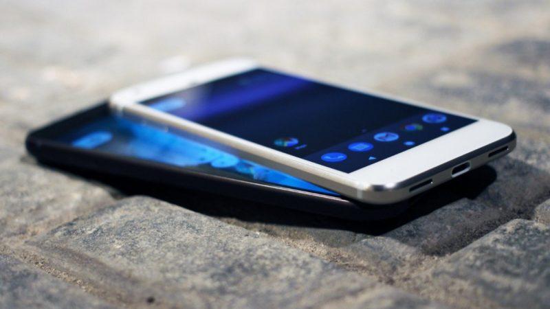 Subventionnement des smartphones : Free réclame 1,5 milliard d'euros à Orange et Bouygues