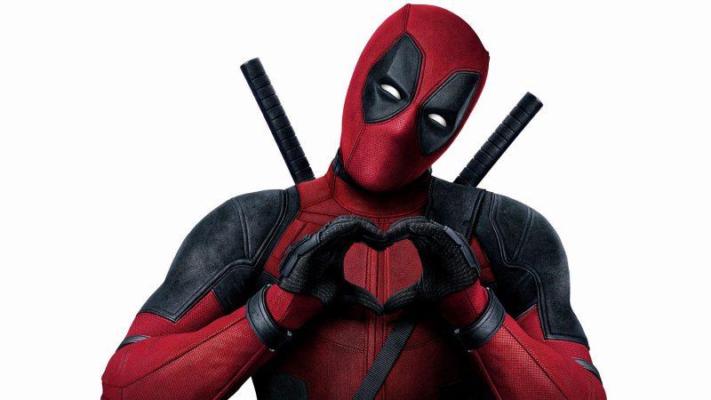 """Clin d'oeil : """"j'ai enfin la 5G"""", l'acteur star de Deadpool s'est fait vacciner, Vodafone et Free réagissent"""