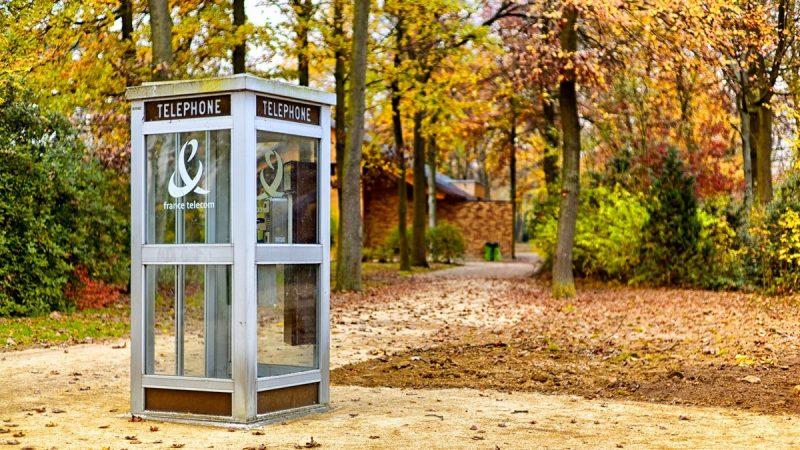 Clin d'oeil : les cabines téléphoniques font de la résistance