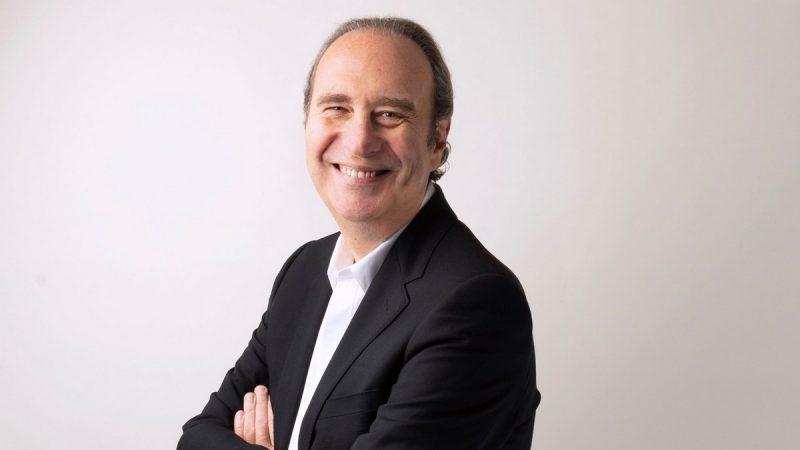 Xavier Niel, le fondateur de Free, investit dans l'assurance 100 % en ligne
