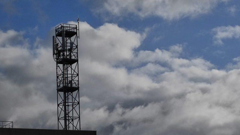Antennes-relais : davantage de pouvoir pour les maires face à Orange, Free, Bouygues et SFR