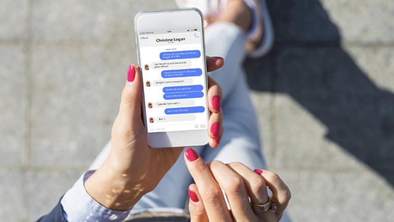 Orange, SFR et Bouygues Telecom testent le SMS conversationnel